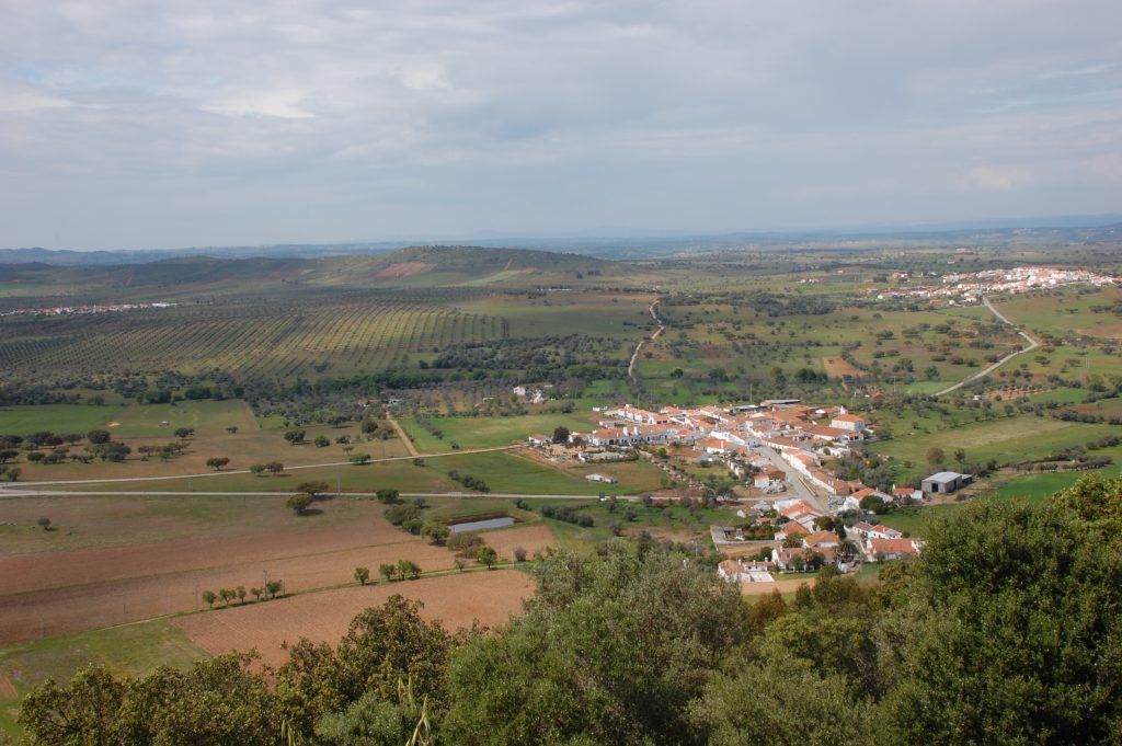 Looking north from Monsaraz. Clockwise, from the upper left, you can see the villages of Bairrada, Outeiro and Telheiro.