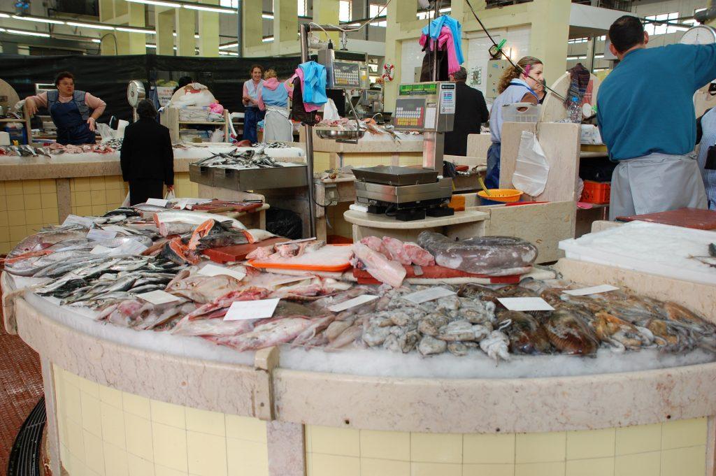 Some of the fish vendors at the Mercado de Campo de Orique.
