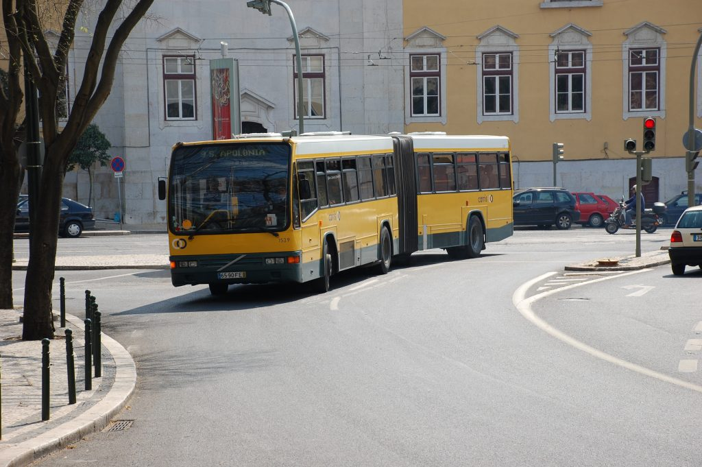 We often caught this autocarro (No. 9) to Largo do Rato, where we got on the Metro (Linha Amarela).