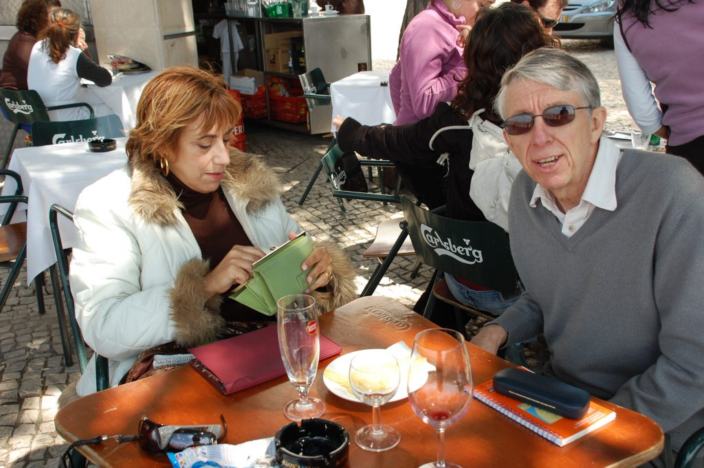 Steve makes some remark to the photographer, while the ever elegant Helena prepares to pay for our apertivos.