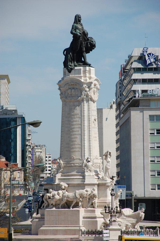 Praça Marqués de Pombal.