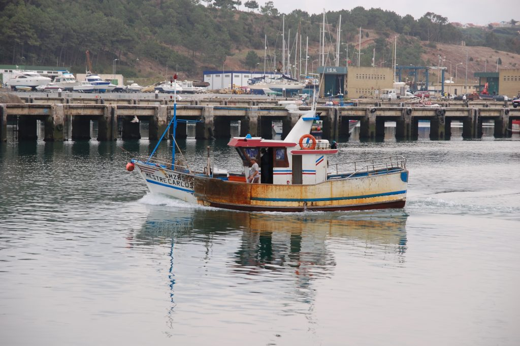The Mestre Carlos after unloading its catch.