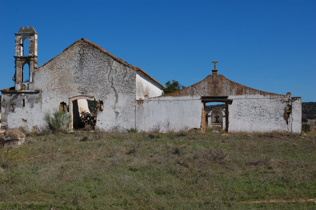Ruins at Ciladas, about half-way between Vila Viçosa and Elvas.