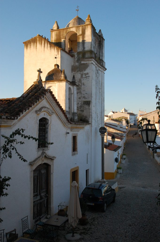 Looking south from our balcony on Rua Direita.
