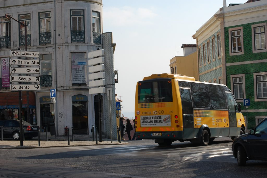 No, 773 wheels around the northeast corner of Praça do Príncipe Real as it heads down into Bairro Alto.