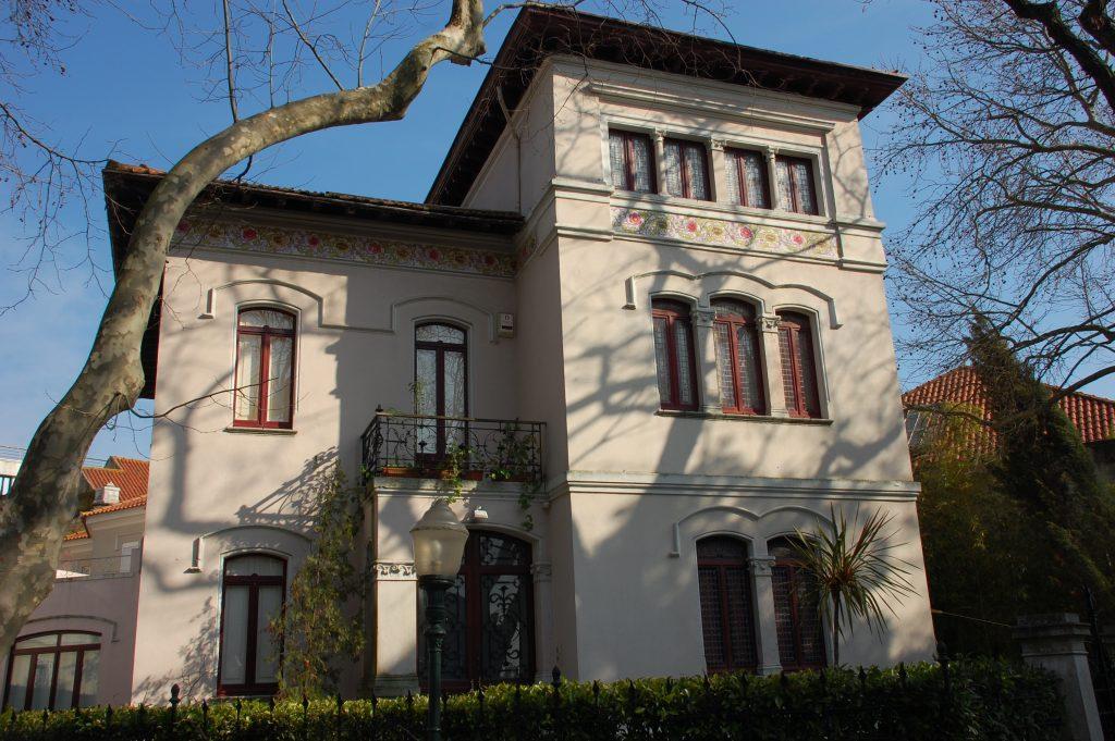 Lovely house on Rua de Júlio de Andrade.