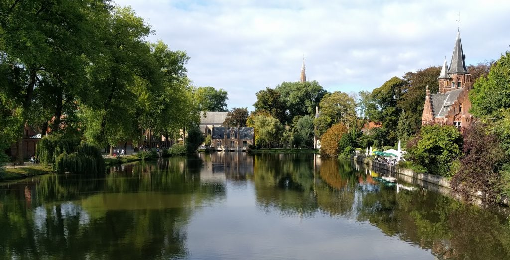 In the Minnewaterpark, Brugge. (17 Sep 2016, Nexus 6P).