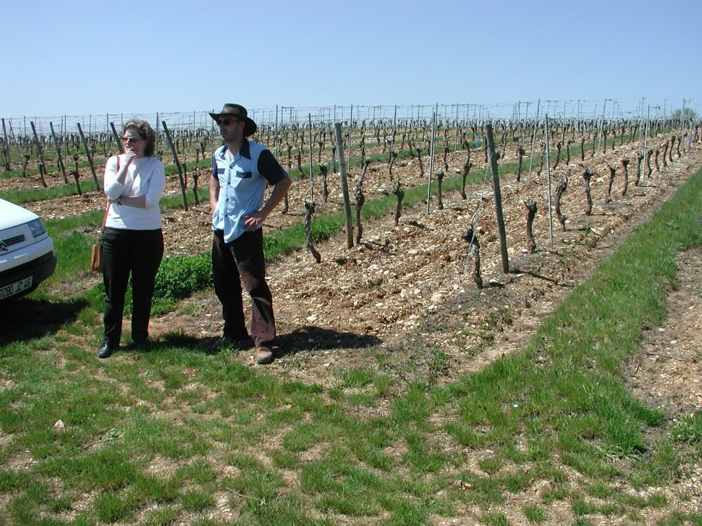 Susan and Em(manu)el on the estate of Domaine du Cap Blanc.